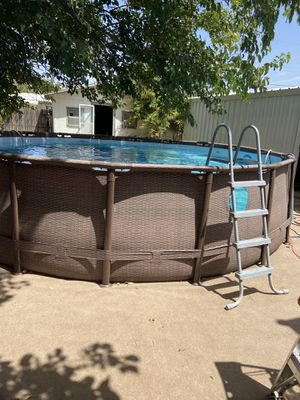 18 foot pool. New sand filter. Hoses. Vacuum system. Leaf vacuum. Ladder. Chemicals. Needs to be taken down. for Sale in Odessa, TX