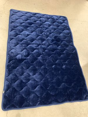 Navy blue dog mat for crate xlarge for Sale in Torrance, CA