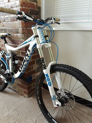 GIANT GLORY DH for Sale in Woonsocket, RI