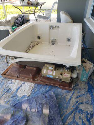 Hot tub for Sale in Saint Petersburg, FL