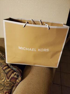 Men's Micheal Kors backpack for Sale in Phoenix, AZ