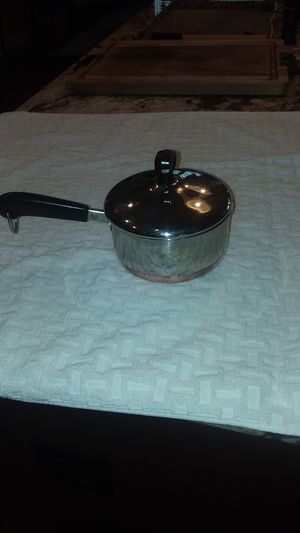 Reverware 1 qt pot for Sale in Kennewick, WA