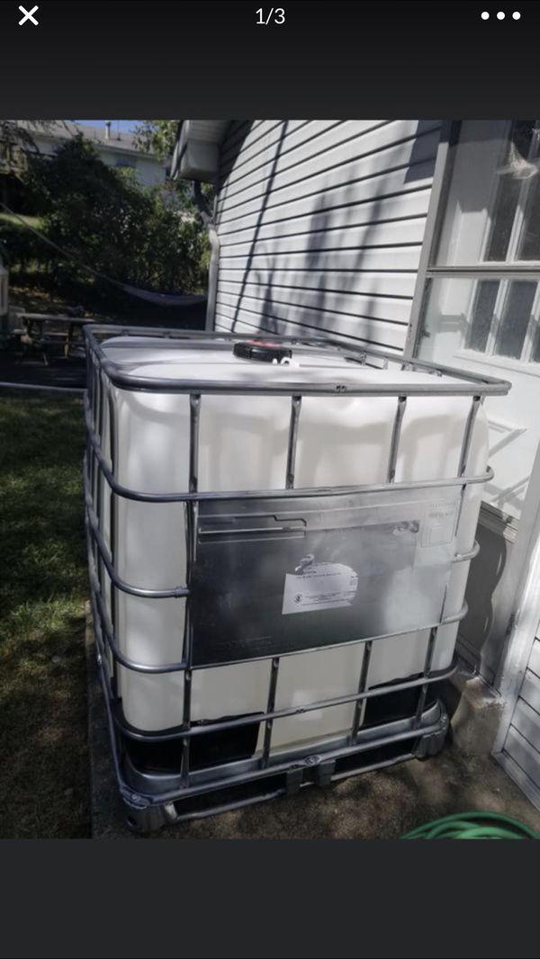 275 gallon IBC tank new