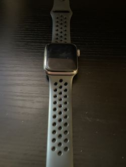 Apple Watch Series 4 for Sale in Hacienda Heights,  CA