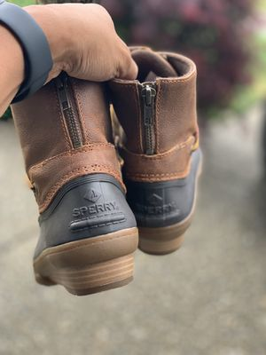 Women's Sperry rain boots sz 5.5 for Sale in Bothell, WA