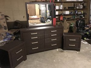 Dresser with the mirror and two end tables for Sale in Wasilla, AK
