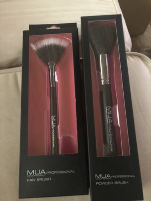 2 MUA Cosmetic Brushes for Sale in Haines City, FL
