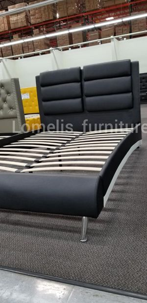 Queen beds with mattresses included for Sale in CRYSTAL CITY, CA