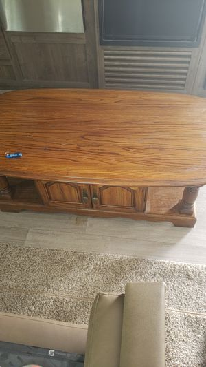 beautiful coffee table fairly new veey heavy for Sale in Santaquin, UT