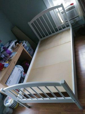 TWIN BED WHITE for Sale in Aurora, IL