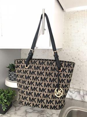 MK Michael Kors medium bag for Sale in Chicago, IL