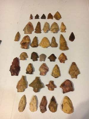 Native American arrowheads, pottery pieces, tool, and broken bits of artifacts for Sale in Eastman, GA