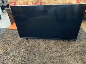 """VIZIO Flat Screen TV 32"""" for Sale in Pasco, WA"""