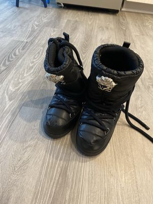 Versace Snow Boots sz 38-40 Men's for Sale in Oxon Hill, MD