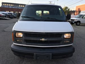 2000 CHEVY EXPRESS 2500 for Sale in Stratford, CT