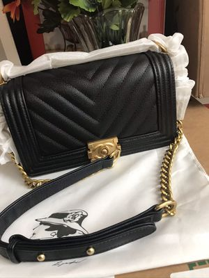 Black and gold purse for Sale in Sterling, VA