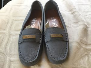 Women's size 9 slip on shoes in brand new condition leather for Sale in Darrington, WA
