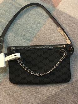 Michael Kors Waist/Belt Bag NWT (Small) for Sale in Newark,  NJ