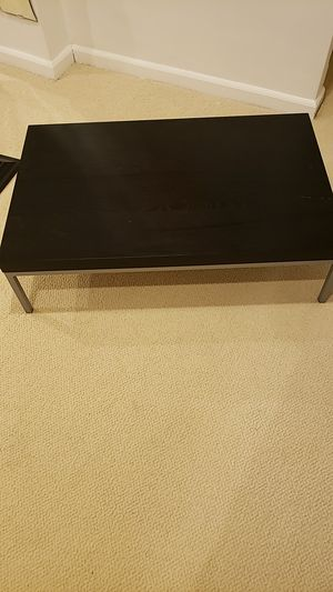 Black coffee table in very good condition. for Sale in Gaithersburg, MD