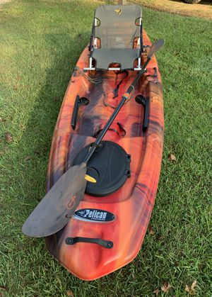 💥NEVER USED💥 PELICAN PREMIUM 120 KAYAK WITH ANGLER PADDLE!! for Sale in Starkville, MS