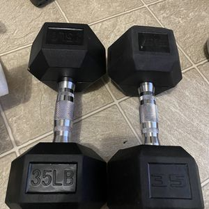 New Pair Of 35 Pounds Rubber Hex Dumbbells for Sale in Hyattsville, MD