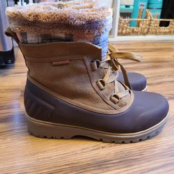 Weatherproof Boots Size 7.5 for Sale in Alexandria,  VA