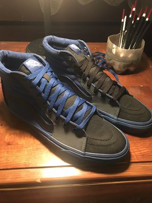 High top vans size 10.5 for Sale in Philadelphia, PA