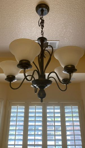 Five light dining chandelier for Sale in Riverbank, CA