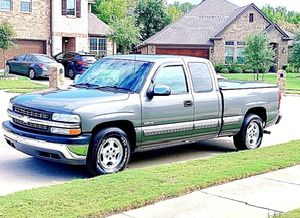 ֆ12OO 4WD CHEVY SILVERADO 4WD for Sale in Richmond, VA