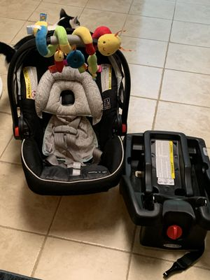 Graco car seat with the base for Sale in Woodbridge, VA