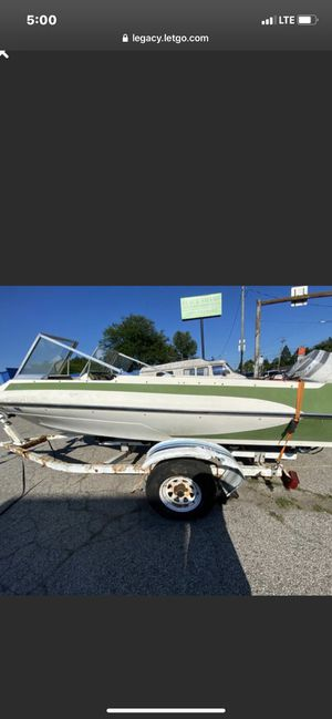 V 173 boat and trailer for Sale in Toledo, OH