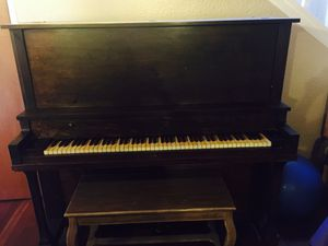 Serious Inquiries Only!! FREE!! Vintage Upright Piano - One Key Doesn't Work for Sale in Stockton, CA