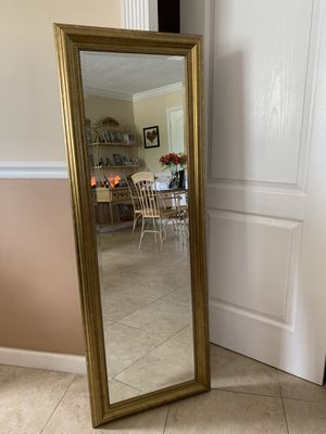 Beautifully detailed gold mirror for Sale in Pinecrest, FL