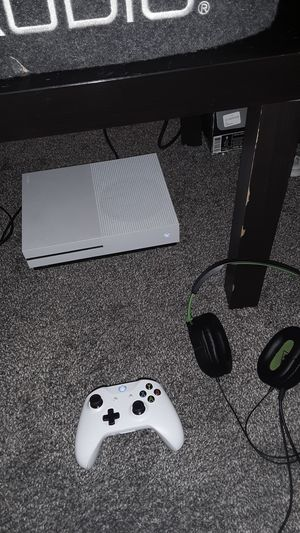 XBOX 1, HEADSET, GAMES, AND TV for Sale in South Brunswick Township, NJ