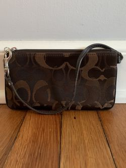 Beautiful Coach Wristlet for Sale in Columbus,  OH