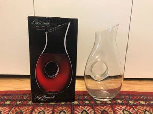 New carafe / decanter with box for Sale in New York, NY