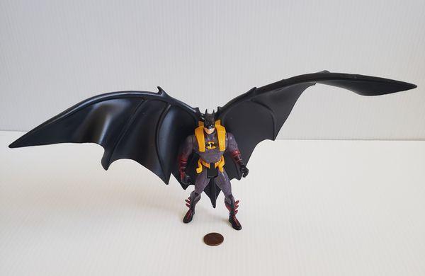 BATMAN FOREVER DELUXE ATTACK WING BATMAN POWER FLEX ATTACK CAPE AF Kenner 1995 .