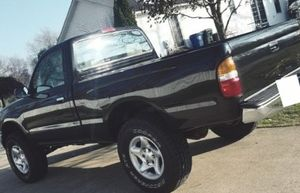 01 Toyota TACOMA - Clean title ! for Sale in Macon, GA