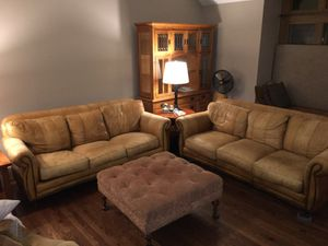 Leather Sofas and Ottoman table for Sale in Lombard, IL