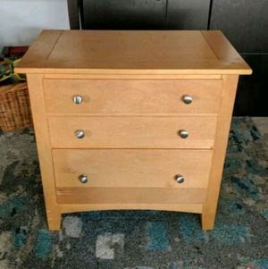 Solid Wood End table for Sale in San Jose, CA