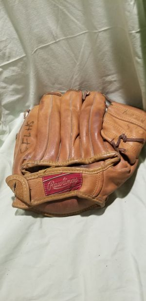 Softball glove for Sale in Levittown, NY