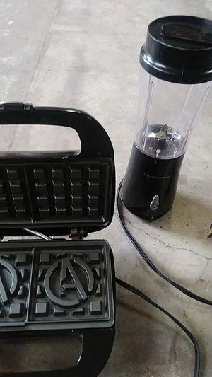 Blender n waffle maker for Sale in OLD RVR-WNFRE, TX