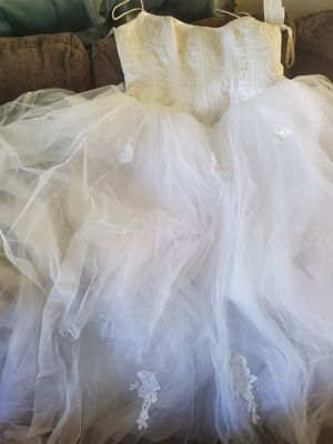 Wedding Dress size 18 for Sale in Baltimore, MD