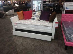 White trundle bed for Sale in Phoenix, AZ