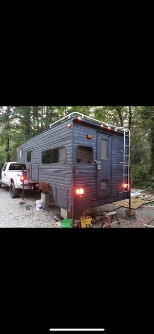 11 ft 1991 S&S NOMAD Truck camper for Sale in Auburn, WA
