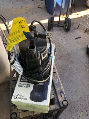 Submersible pump 1/6 hp everbilt for Sale in Chandler, AZ