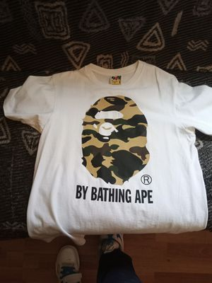 Bathing ape white and camo shirt size medium 60$ for Sale in Richmond, CA