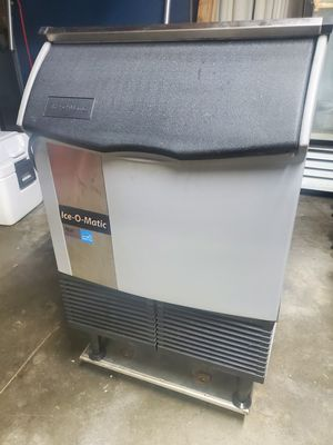Ice o-matic ice machine ice commercial for Sale in Colton, CA