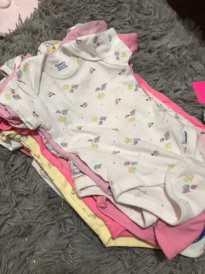 3-6 months onesies for Sale in Oakland, CA