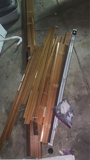 Free blinds, several sizes. for Sale in Denver, CO